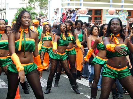 Carnaval 2011 Tropical 972
