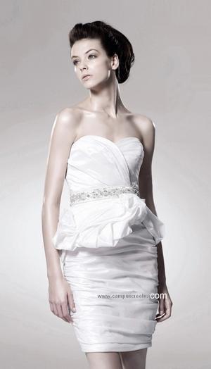 Robe de Mariée 2012 blanche courte