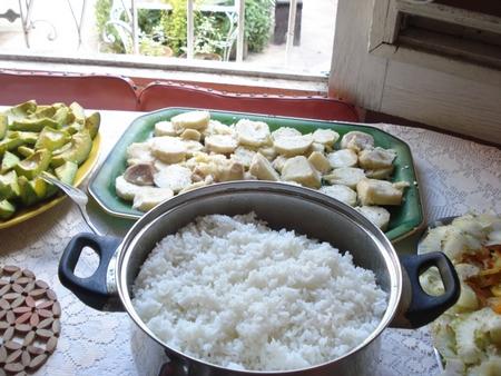 Gastronomie Blaff de poisson crevette au coco