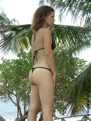Bikini noir string