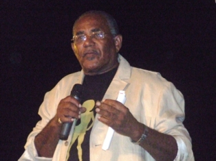 Alfred Sinosa