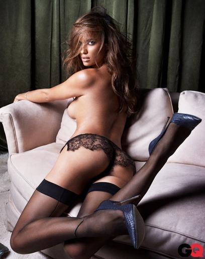 Irina Shayk nue topless