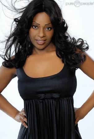 Miss Dominique nue