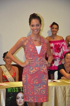 Hinarani de LONGEAUX avant Miss France 2013 Sauvage