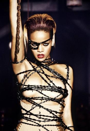 Rihanna Shakira American Awards