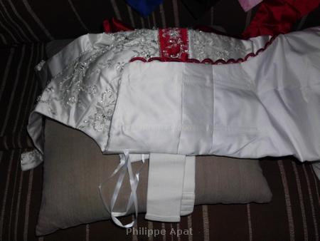 Robe de Mariée Blanche et Rouge Bordeaux