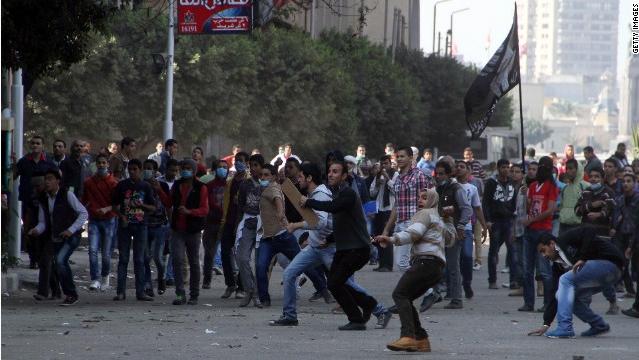 Egypte des manifestants attaquent le palais présidentiel