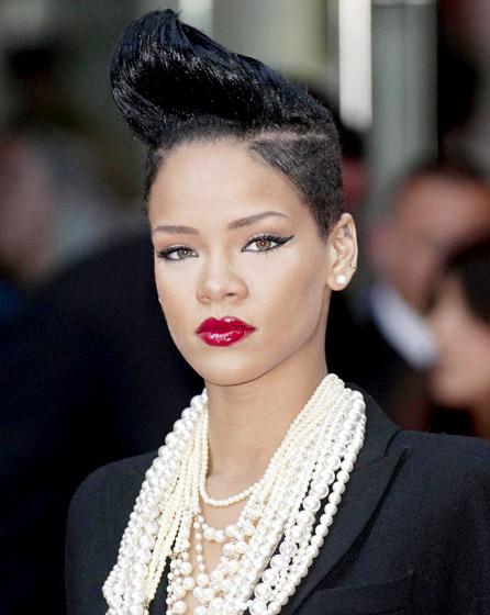 Rihanna Coiffure Jones