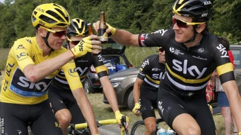 Chris Froome (Sky) remporte son troisième Tour de France à Paris